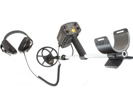 FISHER CZ21 WATERPROOF METAL DETECTOR WITH 11 INCH COIL
