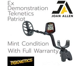 EX DEMONSTRATION TEKNETICS PATRIOT METAL DETECTOR